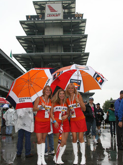 Lovely Repsol girls