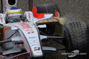 Giancarlo Fisichella, Force India F1 Team, VJM-01 front wing collapsed and crashed
