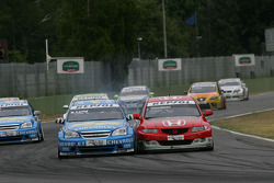 James Thompson, N. Technology, Honda Accord Euro R and Nicola Larini, Chevrolet, Chevrole Lacetti