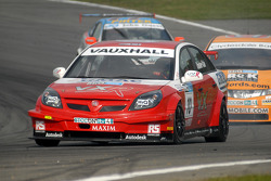 Tom Onslow-Cole leads Gordon Shedden and Mike Jordan