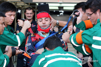 A Scuderia Toro Rosso rescue practice of the FIA-medical team
