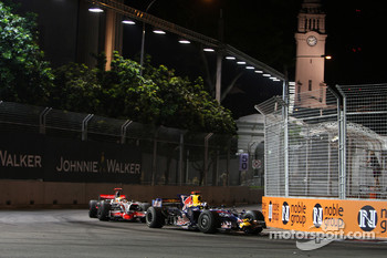 David Coulthard, Red Bull Racing, RB4 leads Lewis Hamilton, McLaren Mercedes, MP4-23