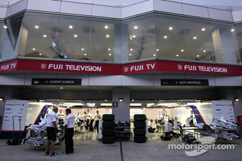 BMW Sauber F1 Team garage