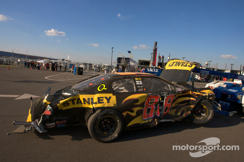 Wrecked car of landon cassill back in the garage area for Cassill motors used cars