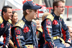 Scuderia Toro Rosso team shot, Sebastian Vettel and Sébastien Bourdais