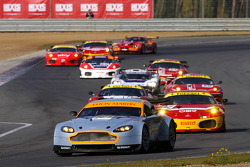 Pace lap: #164 Aston Martin Racing Aston Martin Vantage V8: Stefan Mücke, Tomas Enge