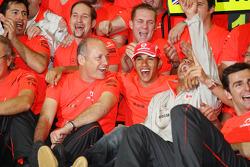 2008 World Champion Lewis Hamilton celebrates with Ron Dennis, Heikki Kovalainen, Pedro de la Rosa and McLaren Mercedes team members
