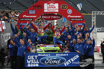 Podium: rally winners Mikko Hirvonen and Jarmo Lehtinen and the BP Ford Abu Dhabi World Rally Team dedicate their victory to fellow Ford team mate Patrick Pivato who was seriously injured in an accident on the first day of competition near Sapporo
