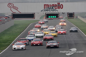 Saturday race: Trofeo Pirelli start