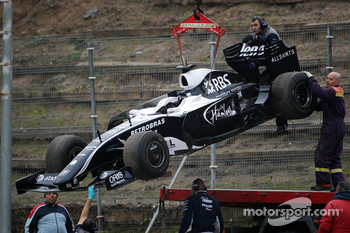 Kazuki Nakajima, Williams F1 Team stops on track in an interim 2009 car