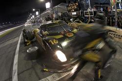 Pit stop for #16 Penske Racing Porsche Riley: Timo Bernhard, Ryan Briscoe, Romain Dumas
