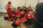 Ganassi crew takes a nap