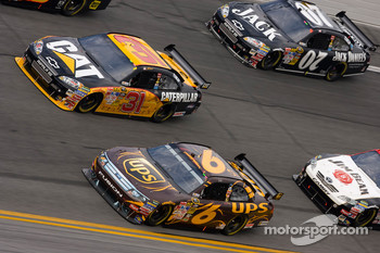 David Ragan, Roush Fenway Racing Ford, Jeff Burton, Richard Childress Racing Chevrolet