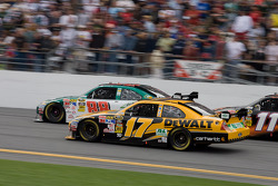 Matt Kenseth, Roush Fenway Racing Ford, Dale Earnhardt Jr., Hendrick Motorsports Chevrolet
