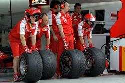 Ferrari mechanics