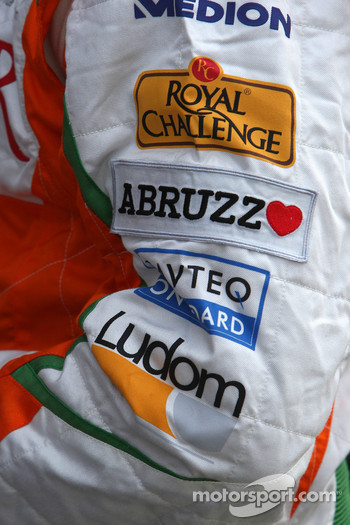 Abruzzo support for the Italian earthquake victims on the arm of Giancarlo Fisichella, Force India F1 Team