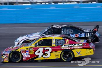 Reed Sorenson, Richard Petty Motorsports Dodge, Sam Hornish Jr., Penske Racing Dodge