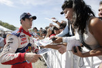 Daniel Sordo with fans