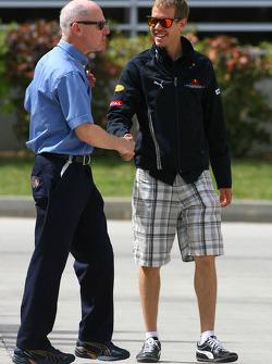 Sebastian Vettel, Red Bull Racing and Dr Gary Hartstein, FIA Medical Delegate
