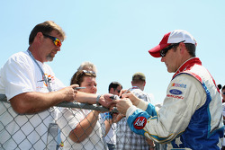 Bobby Labonte, Hall of Fame Racing Ford signs autographs