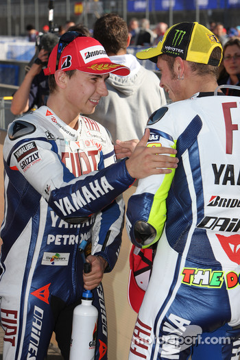 Race winner Jorge Lorenzo, Fiat Yamaha Team celebrates with Valentino Rossi, Fiat Yamaha Team