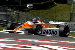 #69 Rowland Kinch (GB) Arrows A4-2, G-Cat Racing (1982)