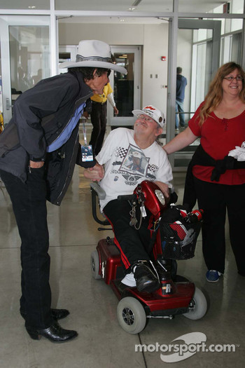 Richard Petty, Richard Petty Motorsports, greets a fan
