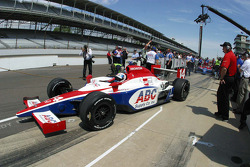 Vitor Meira, A.J. Foyt Enterprises pulls out to qualify