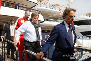 Luca di Montezemolo, Scuderia Ferrari, FIAT Chairman and President of Ferrari, Norbert Haug, Mercedes, Motorsport chief leave the FOTA meeting on the boat of Flavio Briatore, Renault F1 Team, Team Chief, Managing Director