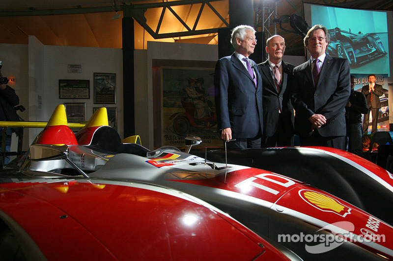 Wolfgang Ullrich, Jean Claude Plassart and Daniel Poissenot with the Audi R10 TDI