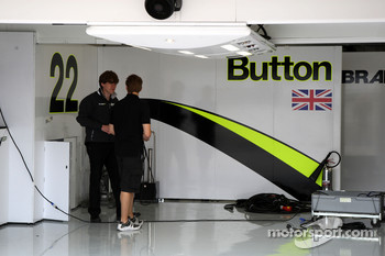 Preperations in the pitlane, and empty Brawn GP garage