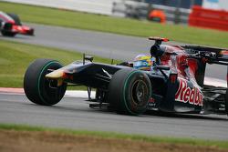 Sébastien Bourdais, Scuderia Toro Rosso lost his front wing