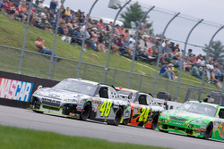 Jimmie Johnson, Hendrick Motorsports Chevrolet leads Jeff Gordon, Hendrick Motorsports Chevrolet