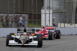 Alex Tagliani, Conquest Racing leads Scott Dixon, Target Chip Ganassi Racing