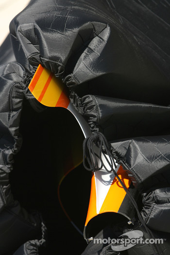 Renault F1 Team engine cover