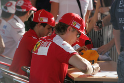 Kimi Raikkonen, Scuderia Ferrari autograph signing