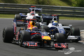 Mark Webber, Red Bull Racing and Nico Rosberg, Williams F1 Team