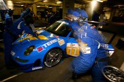 Pit stop for #77 Team Felbermayr Proton Porsche 997 GT3 RSR: Marc Lieb, Richard Lietz, Horst Felbermayr Sr.
