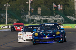 #68 TRG Porsche GT3: Josemanuel Gutierrez, Scott Schroeder