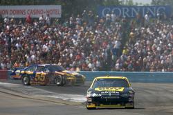 Elliott Sadler, Richard Petty Motorsports Dodge and Patrick Carpentier, Michael Waltrip Racing Toyota after their crash