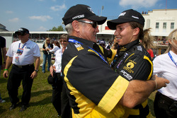 Race winner Simona De Silvestro, Team Stargate Worlds celebrates