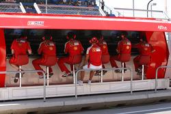 Michael Schumacher, Test Driver, Scuderia Ferrari on the pit wall