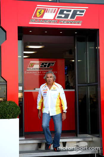 Flavio Briatore, Renault F1 Team, Team Chief, Managing Director leaving the Ferrari Motorhome