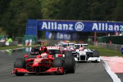 Kimi Raikkonen, Scuderia Ferrari, Robert Kubica, BMW Sauber F1 Team