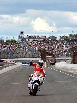 Third place Nicky Hayden, Ducati Marlboro Team
