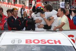 Paul di Resta, Team HWA AMG Mercedes C-Klasse, wins