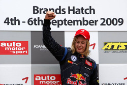 Podium, Brendon Hartley, Carlin Motorsport, Dallara F308 Volkswagen
