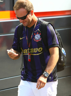 Rubens Barrichello, BrawnGP, wearing a Corinthians Football shirt