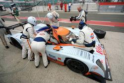 Pit stop for #007 Aston Martin Racing Lola Aston Martin: Jan Charouz, Tomas Enge, Stefan Mücke