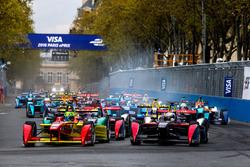 Lucas di Grassi, ABT Schaeffler Audi Sport, und Sam Bird, DS Virgin Racing Formula E Team